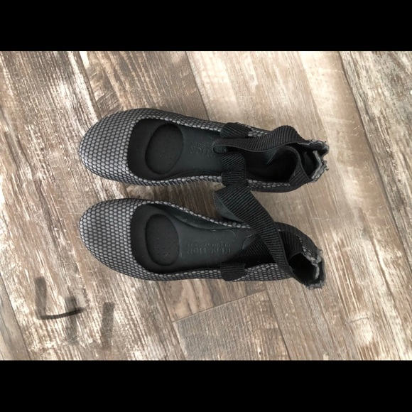 Kenneth Cole New York Black Leather Camillia Classic~Loafer NWOB